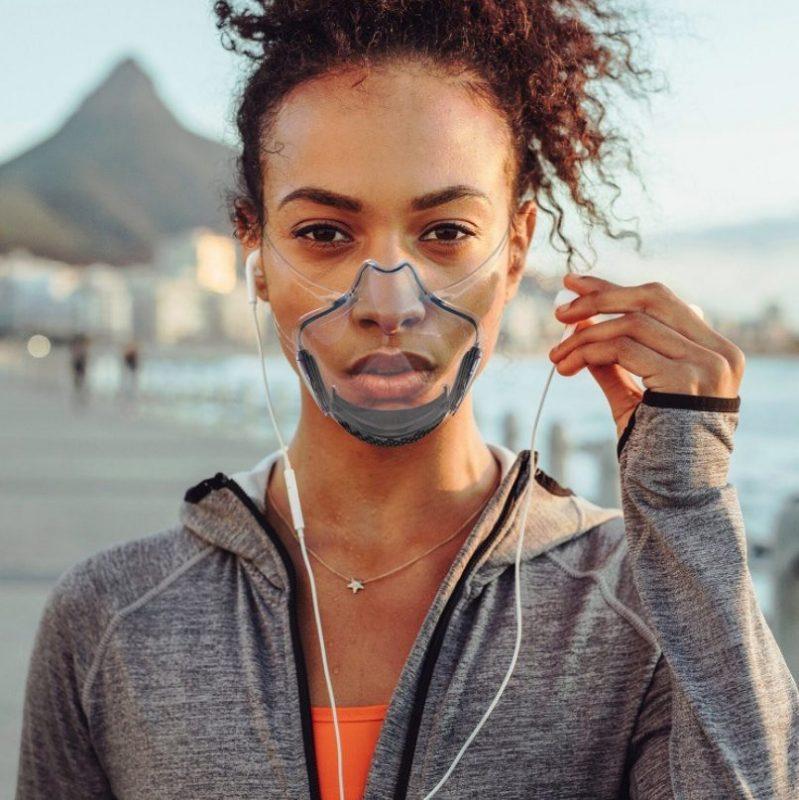 femme portant masque transparent wesmilee